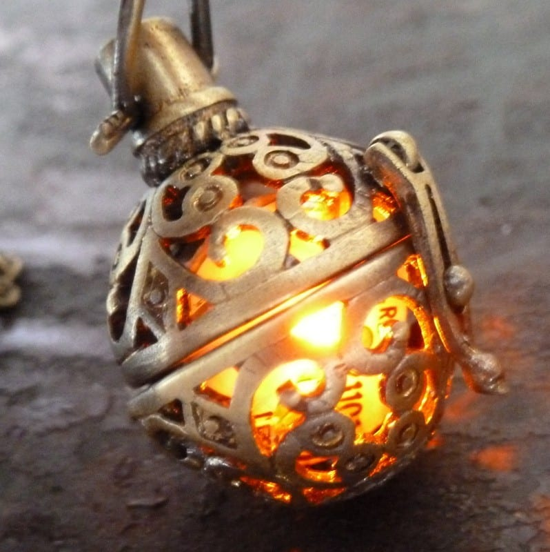 steampunk-fire-necklace